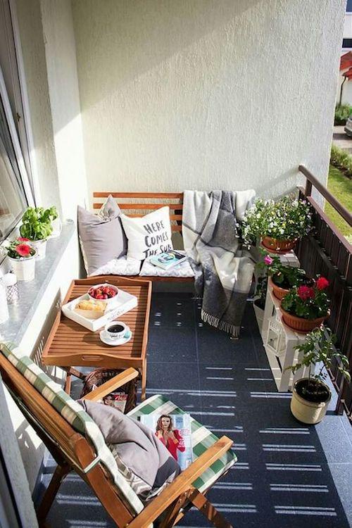 Balcon tip cafenea